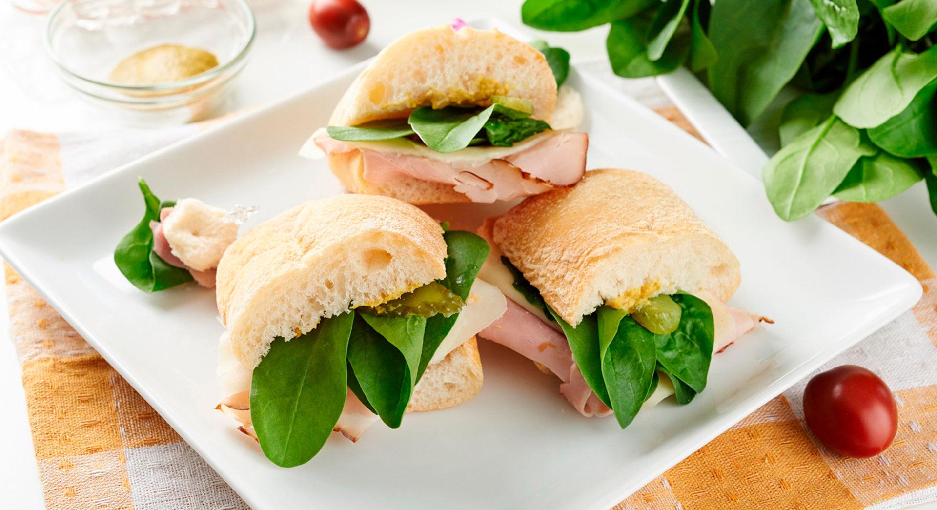 Сэндвич с мясными деликатесами – рецепт Мясная Гильдия